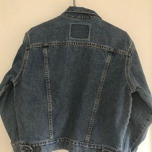 Levi Strauss jean jacket size medium